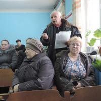 Г.Сужов представил  коллективный письменный  протест по поводу  объединения поселений.