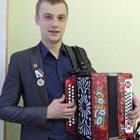 Александр Тюхов - единственный из сокольчан, награжденный медалью «Гармонист России».