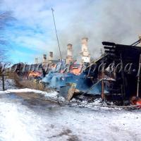 Двухэтажный деревянный дом выгорел полностью. 26 сокольчан остались без крова и всего нажитого.