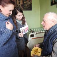 Поздравить Ф.А.Фомина пришли А.Пронинцева и А.Киселева.