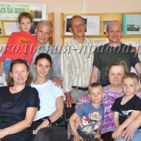 В Воробьёво приехали родственники  поэта из Москвы, Вологды и Сокола.